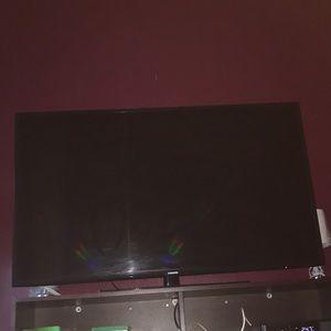 """62"""" FlatScreen Smart Tv"""